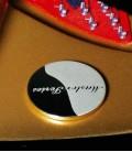 Foto detalhe identificação da Master Series do Piano de Cauda Petrof P237 Moonsoon