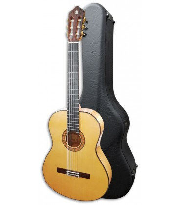Photo of the Guitarra Flamenca Alhambra 10 FC with the case