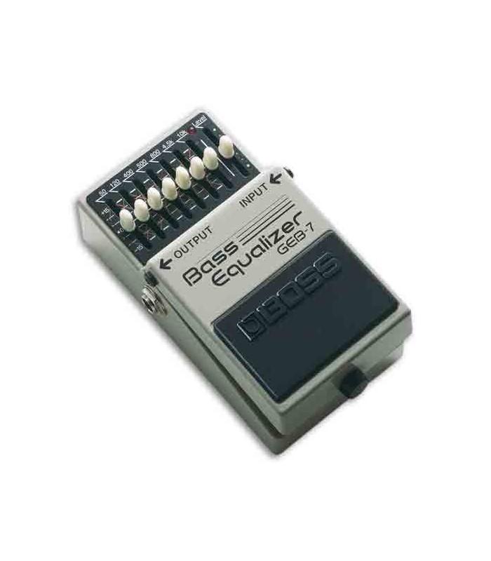Foto a 3/4 do pedal de efeitos Boss GEB 7 Bass Graphic Equalizer