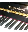 Teclado y logo del piano Kayserburg KAM2